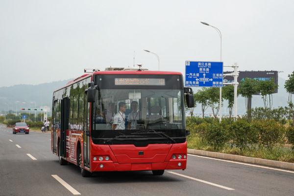 В центре Пекина запустили электробусы с обеззараживанием воздуха