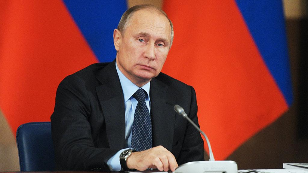 Путин не исключает, что взрыв в метро Петербурга является терактом
