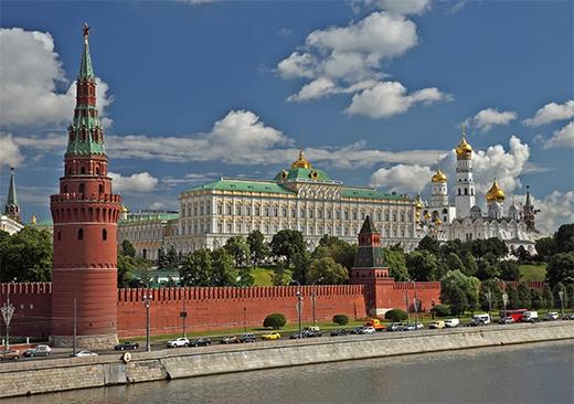 На выборы Президента РФ Кремль, как Ленин, пошёл другим путём...