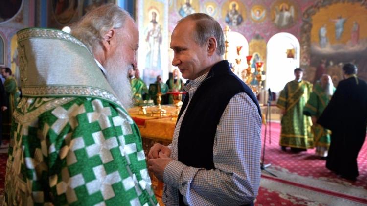 Путин поздравил патриарха Кирилла с 70-летием