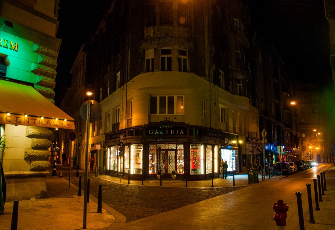Ночная улица в Будапеште