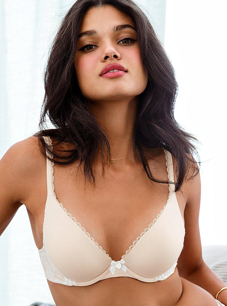 Бразильская красавица Даниэла Брага в белье Victoria 's Secret