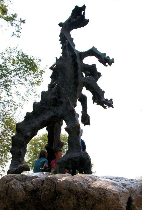 Статуя Вавельского дракона. | Фото: worldroads.ru.