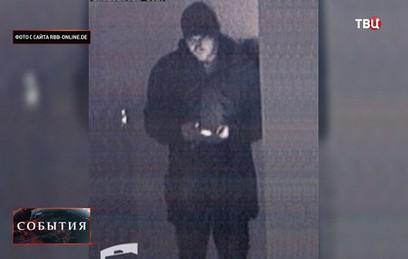 Камеры наблюдения засняли подозреваемого в терактах в Берлине