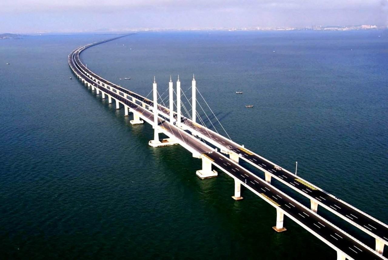 Запад с завистью следит за строительством Керченского моста