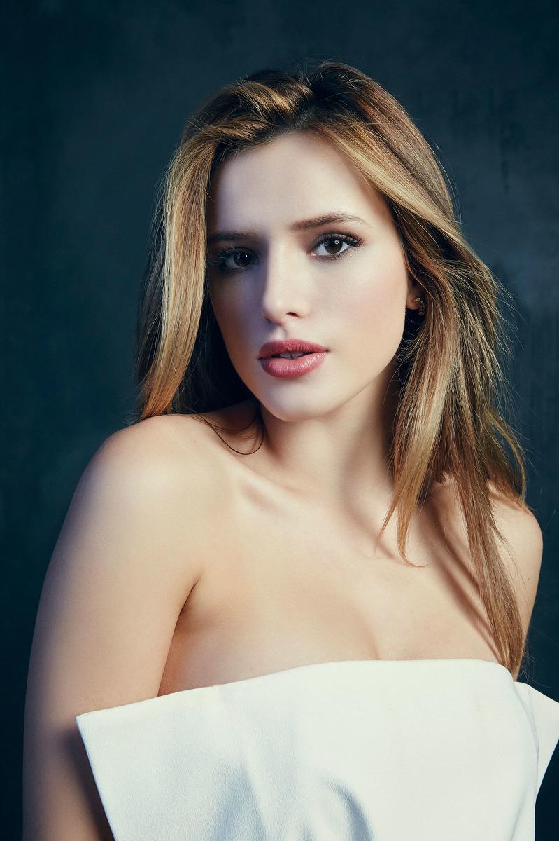 Белла Торн  красивая и привлекательная