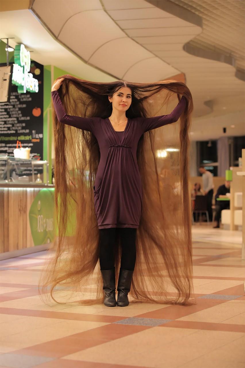 Зачем женщине такие длинные волосы?