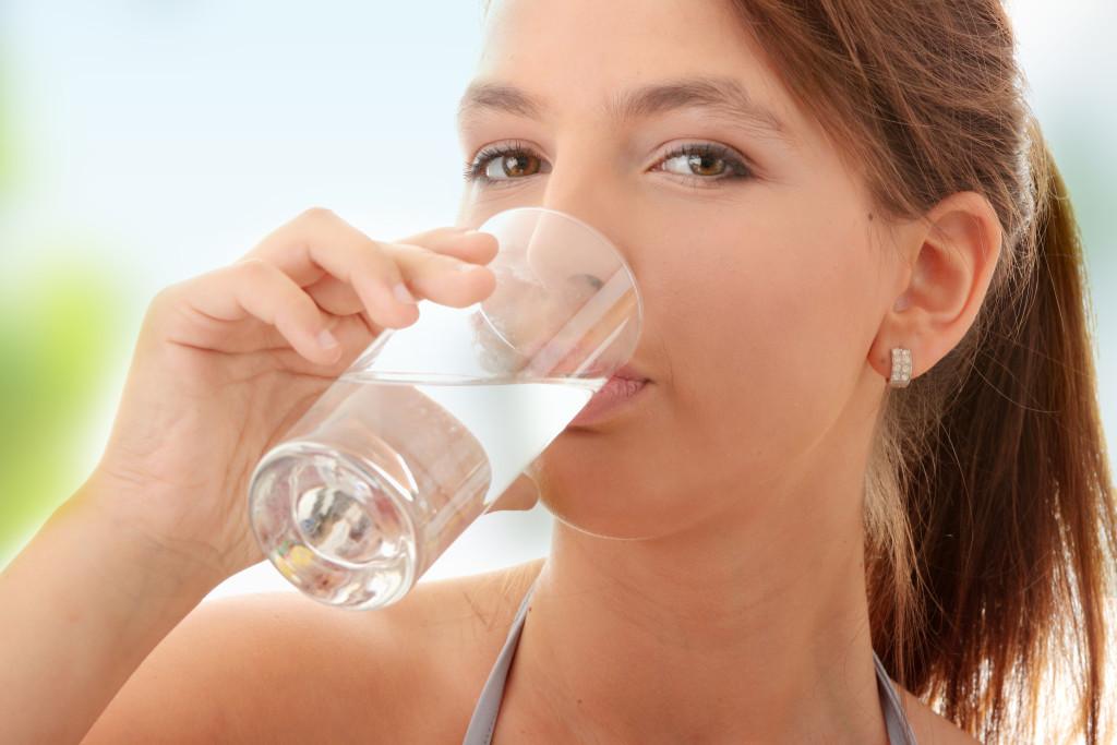 Почему нам нужно пить именно теплую воду