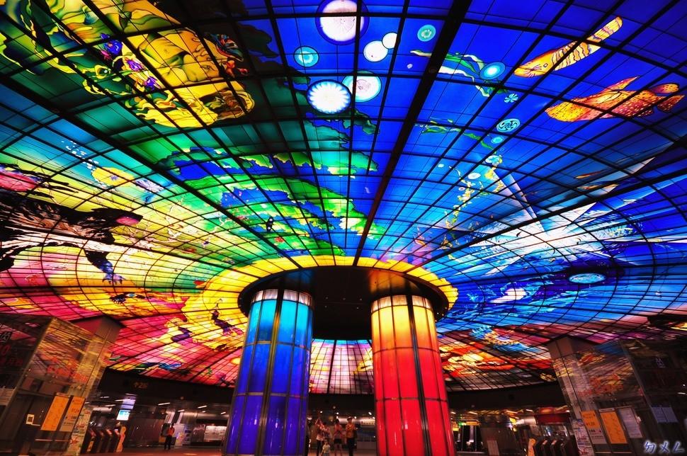 MetroStations26 17 самых волшебных станций метро со всего мира