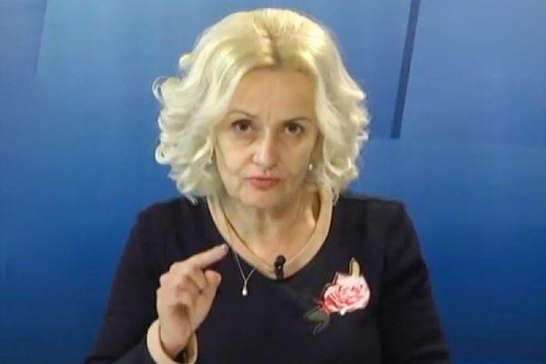 ''Никаких дискуссий. Снимаешь туфли, даешь по роже'': Фарион рассказала как следует общаться с русскоязычными украинцами