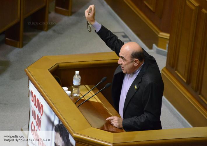 """Рабинович: Осенью будет """"движ"""" - страну охватят """"уличные демократии"""", власти пора на выход"""