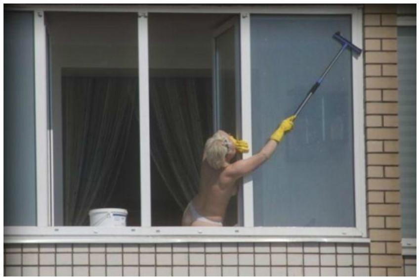 Чего только не увидишь, выглянув в окно утром :) i see mir.