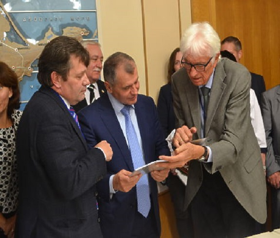 Немецкий политик жестко осад…