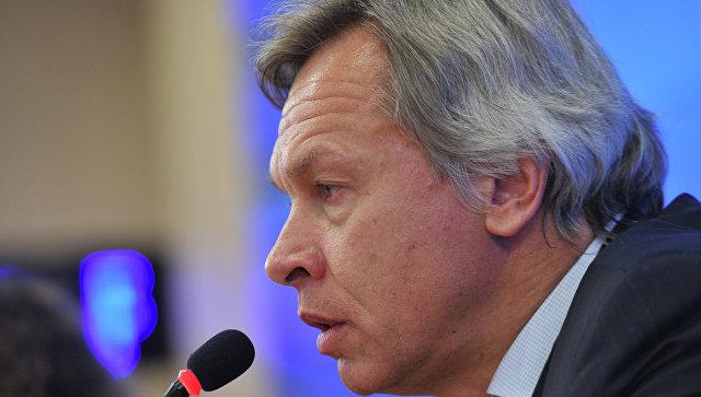 Пушков резко ответил Макфолу на предложение вернуть Крым