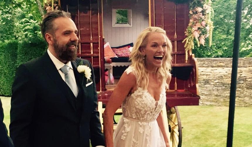48-летняя дочь миллиардера Руперта Мердока вышла замуж за художника