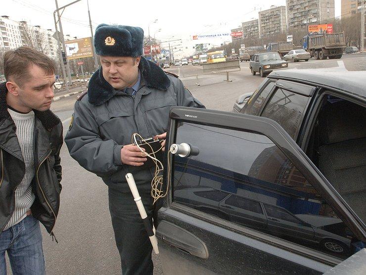 ГИБДД сажает водителей в тюрьму за излишне тонированные машины