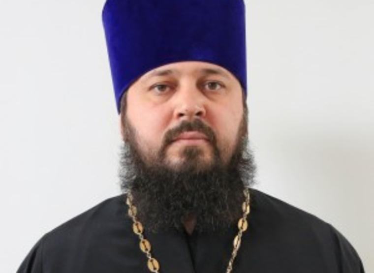 """""""Бесовщина попутала"""". В Сургуте пьяный священник напал на полицейских"""