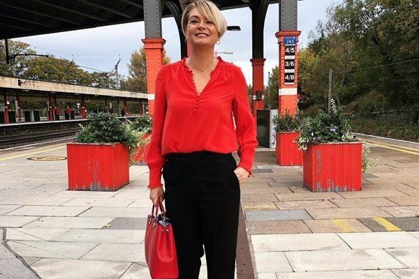 Брюки для женщин за 45: модные тенденции 2019