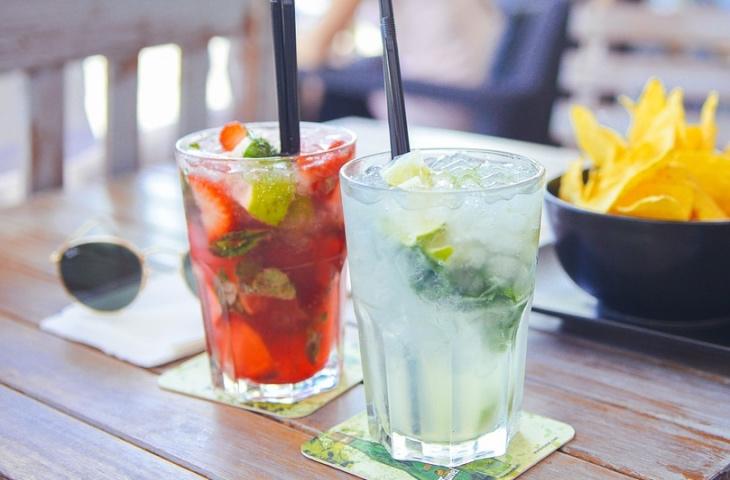 7 лучших напитков, чтобы утолить жажду в жару