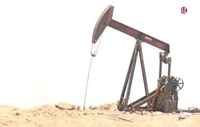 Сирийские инженеры налаживают разрушенные боевиками нефтевышки