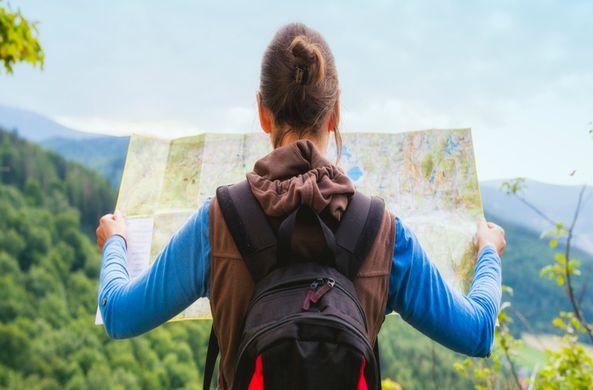 Специалисты рассказали, зачем женщины путешествуют в одиночку