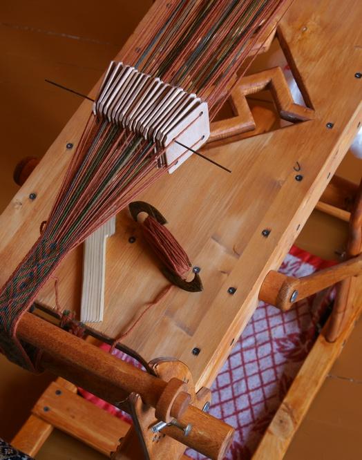 Как своими руками сделать станок для ткачества