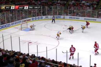 Игрок «Детройта» забил после сольного прохода от своих ворот в матче НХЛ
