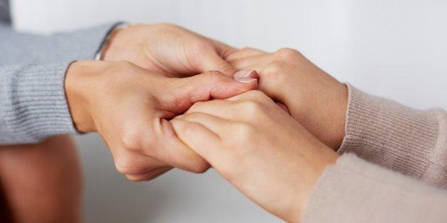 Как помочь близкому человеку, не навязывая своих убеждений