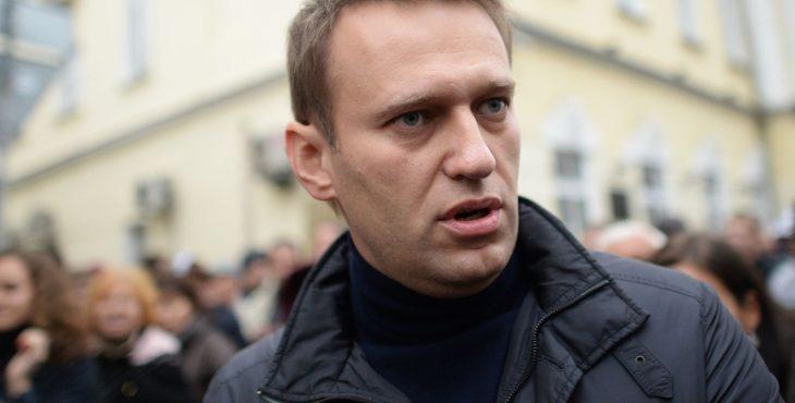 Алексей Навальный и митинги в Петербурге: хроника фиаско скандального блогера