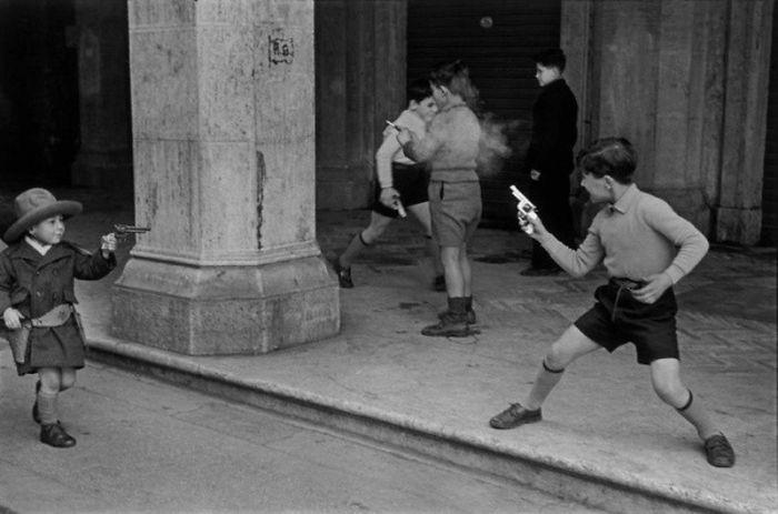 """43. """"Перестрелка"""", Рим, 1951 год  детство, прошлое, фотография"""