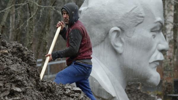 Две трети опрошенных EADaily считают, что тело Ленина пора похоронить