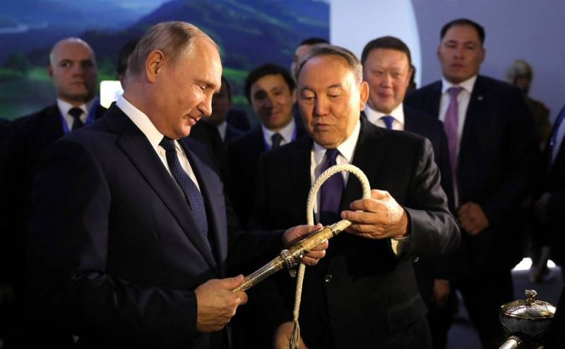 Демарш Казахстана: Назарбаев…