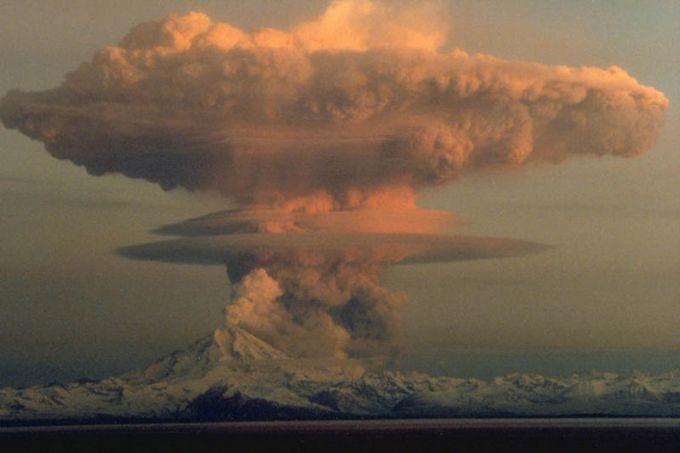 Что произойдет, если сбросить ядерную бомбу на Йеллоустоун