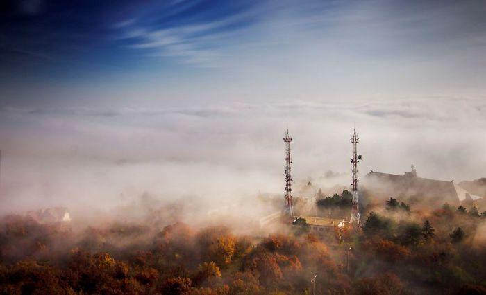 Туман над Будапештом. Автор: Tamas Rizsavi.