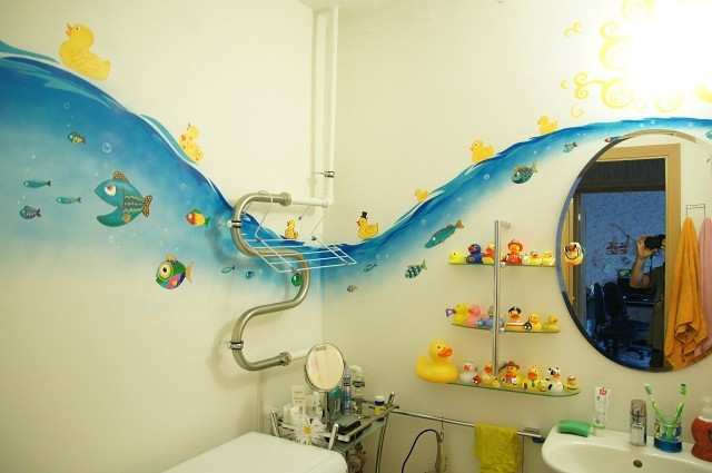 Ванная комната с рисунками своими руками