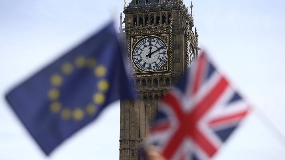 Европарламент одобрил резолюцию по выходу Британии из ЕС
