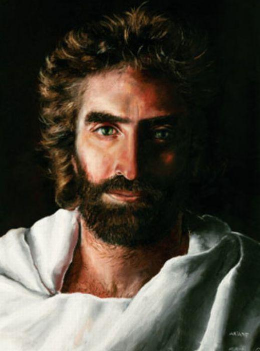 Девочка рисовала иисуса христа