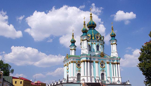 Вселенский патриархат рассмотрел запрос Порошенко об отдельной церкви