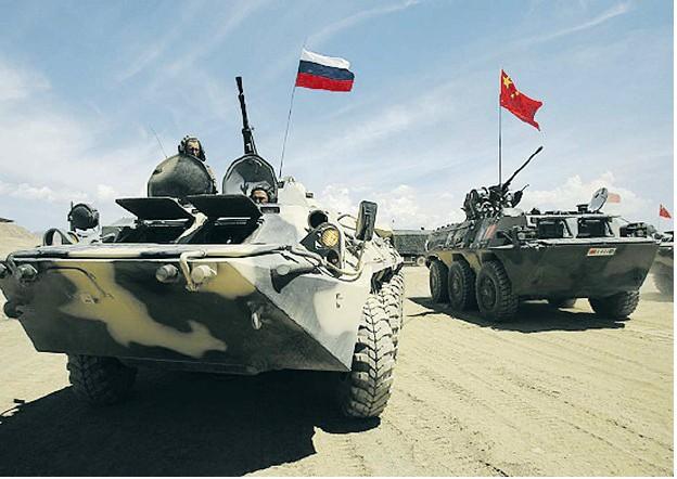 """На учения """"Мирная миссия-2014"""" отправились около 1000 военных ВВО РФ"""