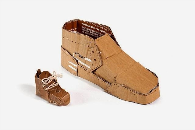 Необычная обувь из хлама