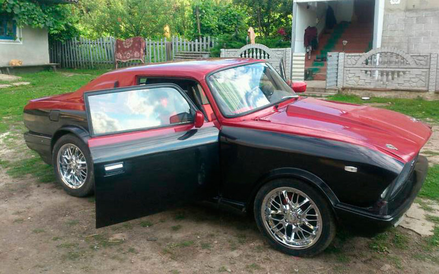 На Украине сделали Москвич с кузовом купе, и теперь он похож на Ford Mustang