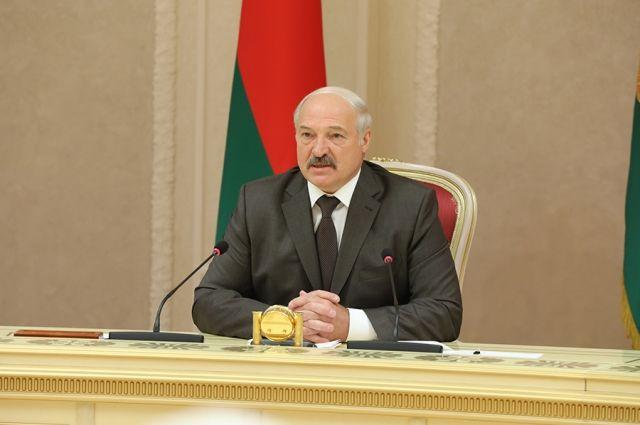 Лукашенко: посол Белоруссии в РФ должен иметь особые полномочия