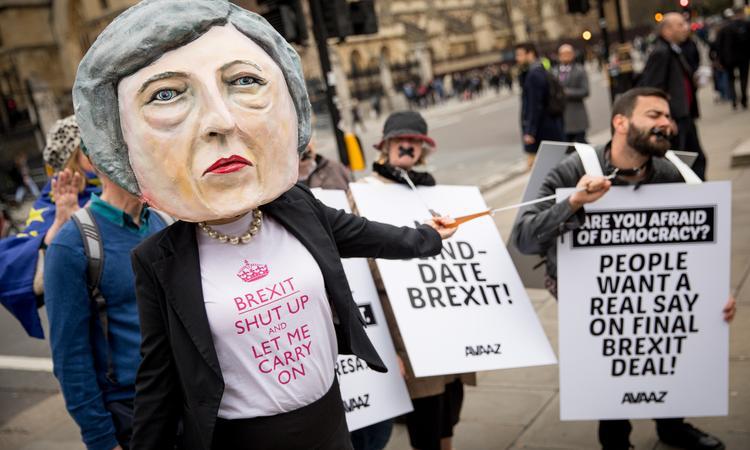 """Лондон выжмет деньги из ЕС под прикрытием """"российской угрозы"""""""