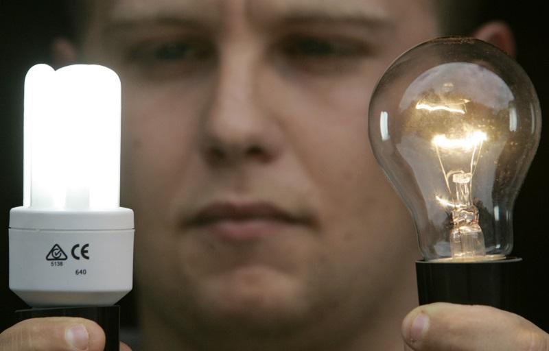 Осторожно, излучение! Энергосберегающие лампы таят в себе смертельную опасность.