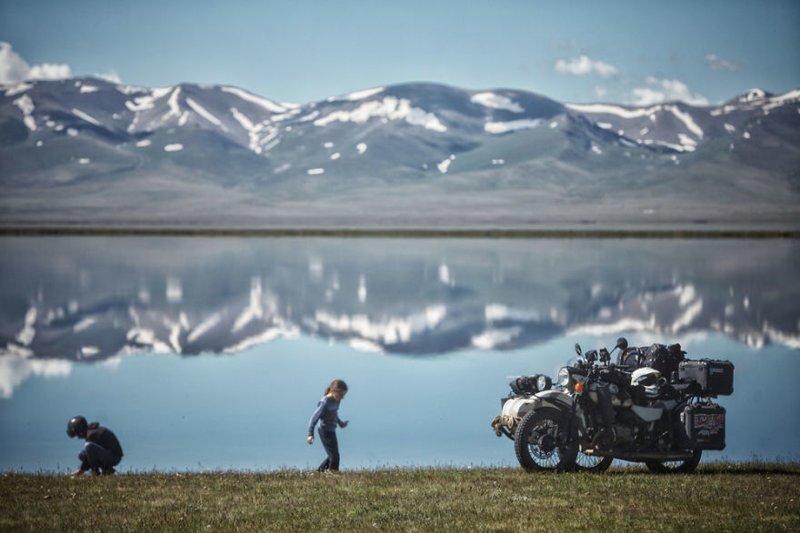 Озеро Сон-Куль (Сонкёль), Кыргызстан монголия, мотоцикл, мотоцикл с коляской, мотоцикл урал, путешественники, путешествие, средняя азия, туризм