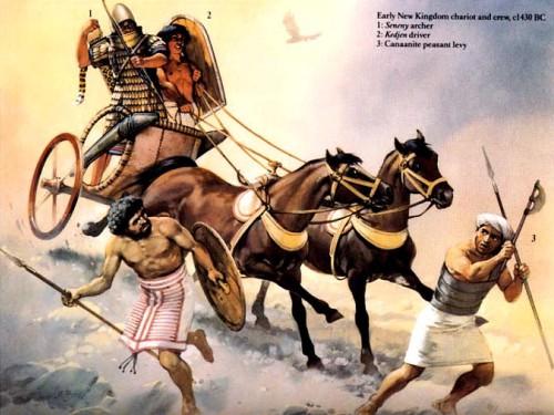 """Колесница раннего Нового Царства (ок. 1430 г. до н.э.): 1 - """"сенени""""-лучник; 2 - """"кеджен""""-колесничий; 3 - ханаанский крестьянин-ополченец."""