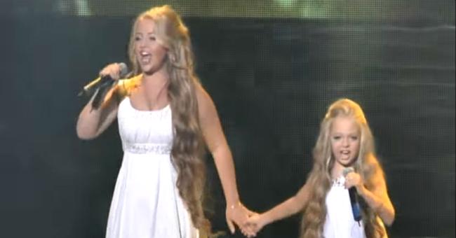 Две сестры-украинки спели легендарную песню на шоу талантов