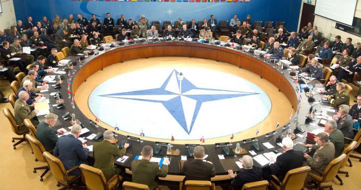 """НАТО - """"параноики"""": в Германии хотят выйти из Альянса из-за действий одного из союзников против России"""