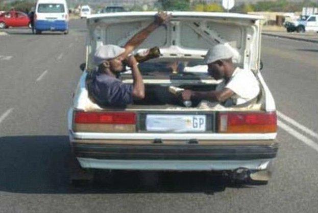 ЭЭй, парни, а кто из вас за рулем? дорога, путевые заметки, свидетельства, странности, странные люди, трасса, удивительное, фотографии
