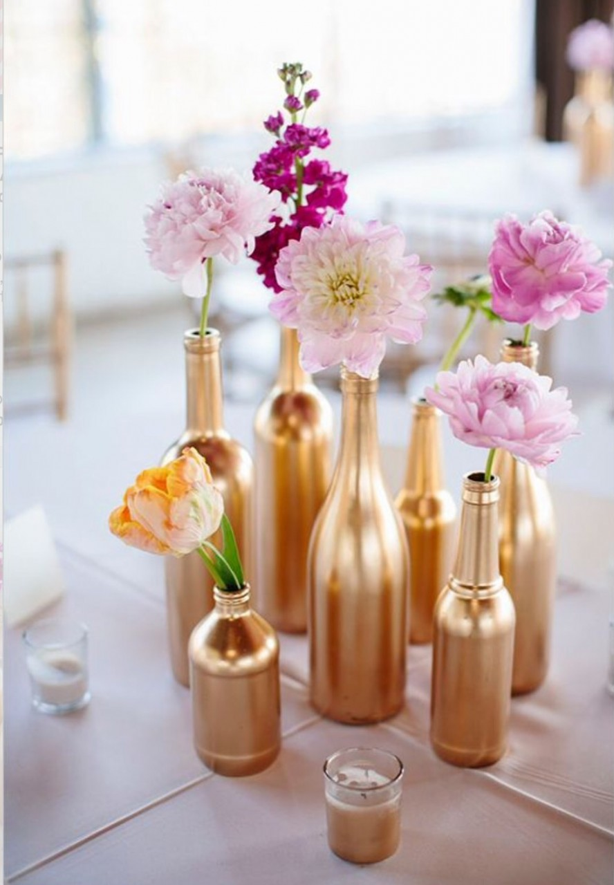 Декорирование бутылок золотой краской